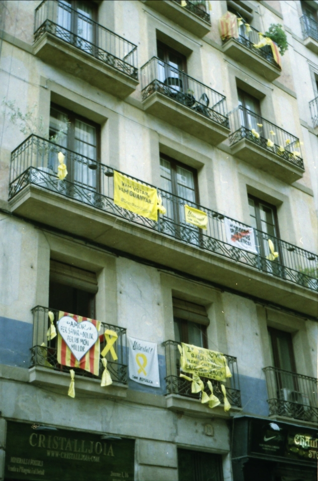 protest balconys